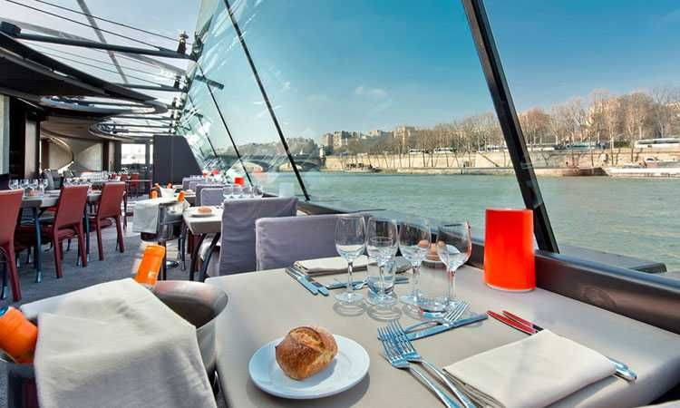 Lunch Seine Cruise Privilege Service