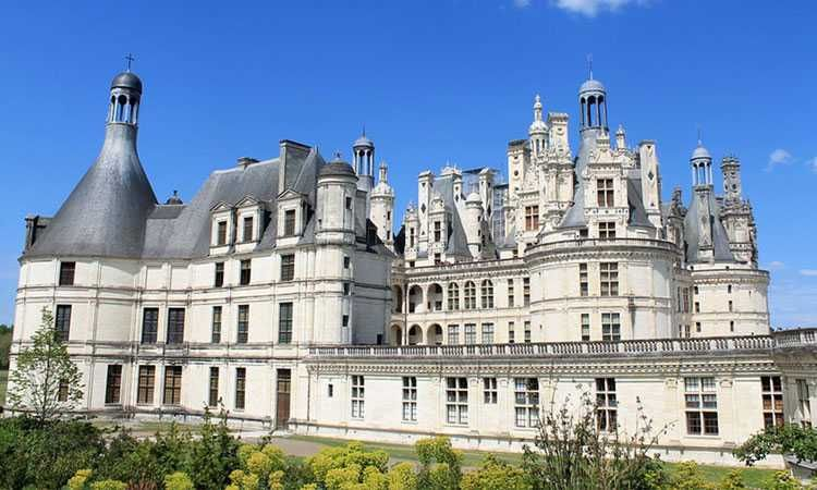 Chateaux of the Loire Valley tour from Paris with Chambord Cheverny Chenonceau