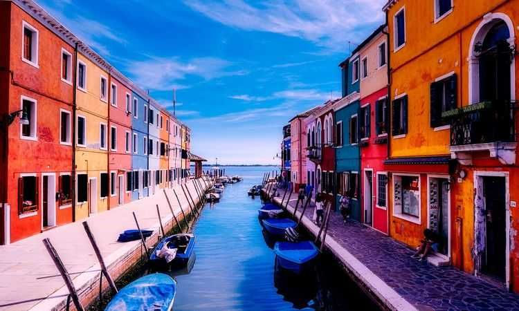 Boat Tour to Murano, Burano & Torcello Islands