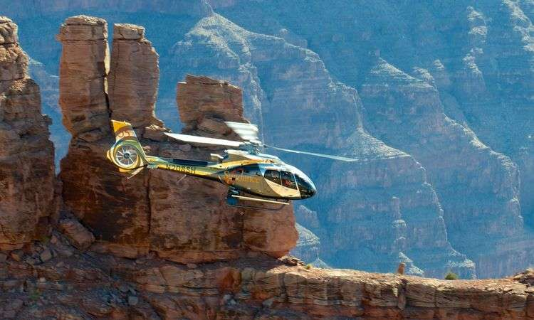 Grand Canyon Helicopter Tour with Panoramic Drive to Hoover Dam